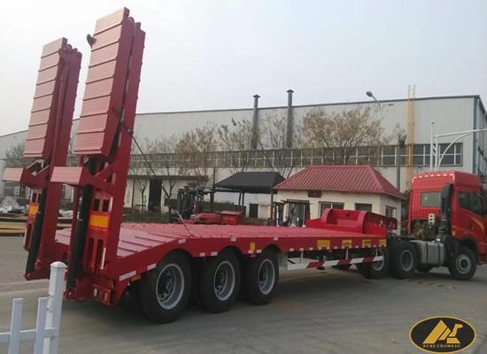 CIMC 3 Axles Low Bed With Hydraulic Ladder